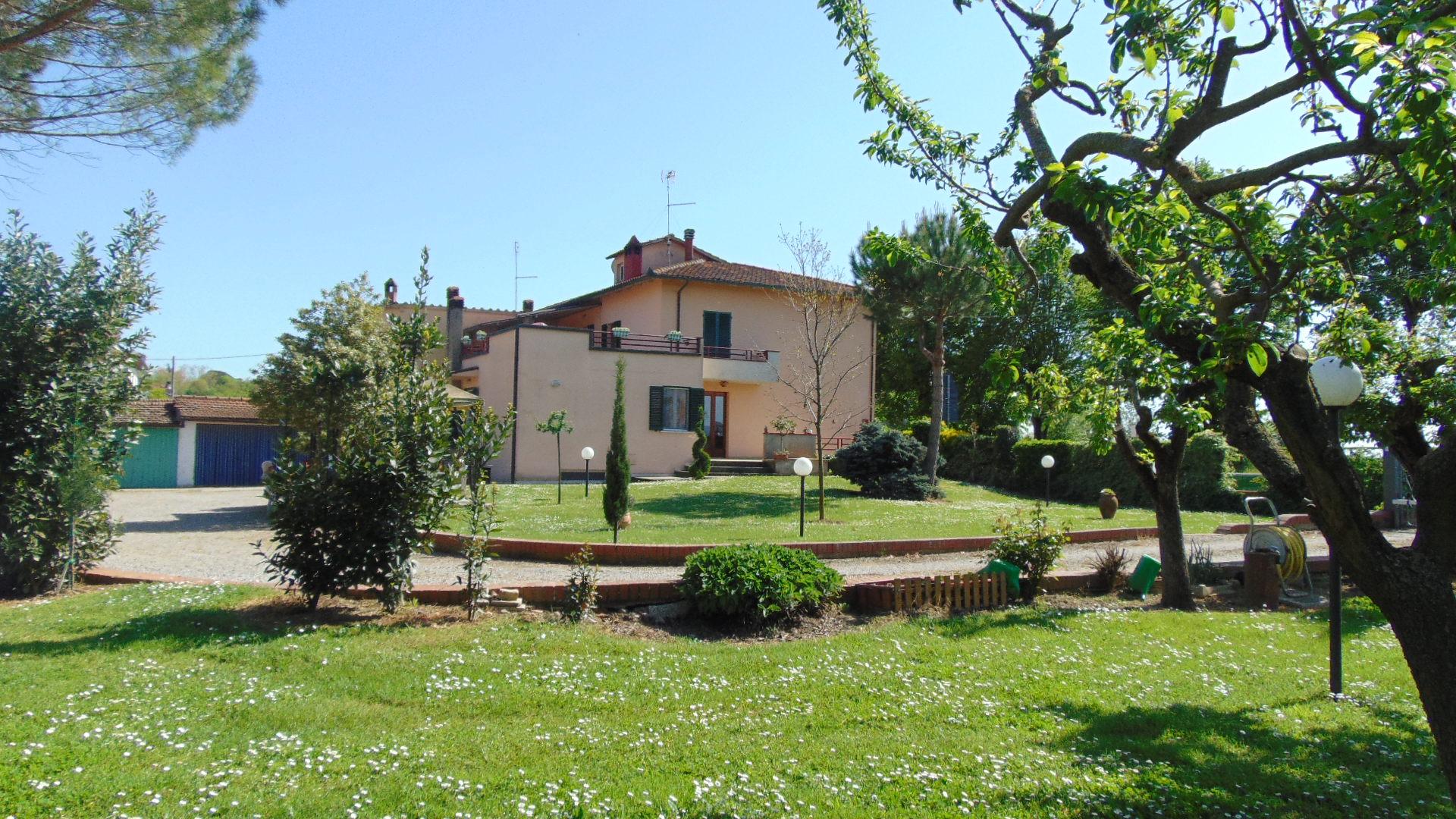 Casa con giardino Arezzo - Planet 1295 - Gruppo Planet ...